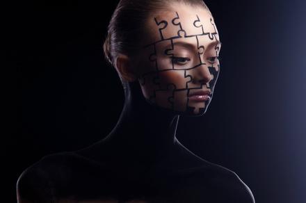 諏訪哲史のおすすめ作品5選!『アサッテの人』で芥川賞受賞の作家画像