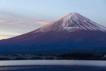 石坂洋次郎のおすすめ作品5選! 映画・ドラマ化された『青い山脈』他画像