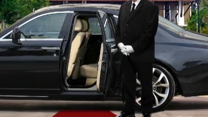 5分でわかるハイヤー運転手!タクシー運転手との違い、年収事情や必要な資格などを解説!画像