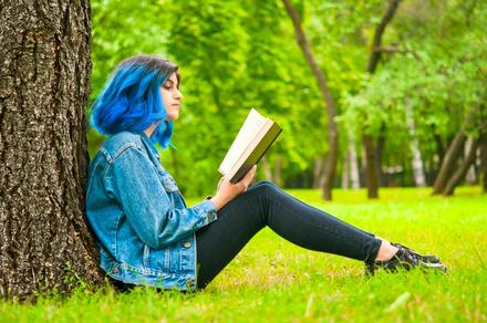 高樹のぶ子のおすすめ文庫小説5選!数多くの受賞歴を持つ作家画像