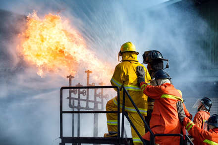 5分でわかる消防官!仕事内容や年収、採用試験の難易度は?転職事情も解説画像