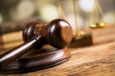 ジョン・グリシャムのおすすめ小説5選!法廷サスペンスを描く作家画像