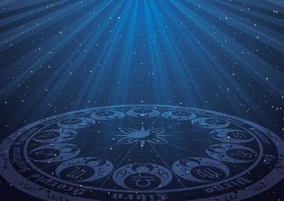 奥泉光のおすすめ小説12選!現実と夢を往復しながら展開する「謎」を描く画像