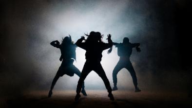 5分でわかるダンサー!世界的ダンサーは億の年収を稼ぐ。なり方や働き方など疑問を解説!画像