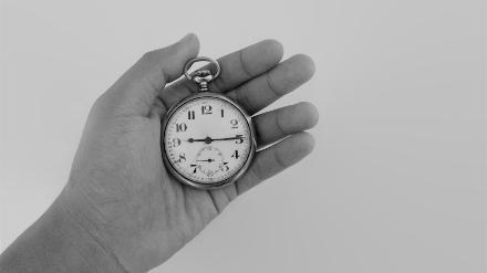 5分でわかるタイムキーパー!仕事内容から就職への王道ルート、年収や必要な素質を解説!画像