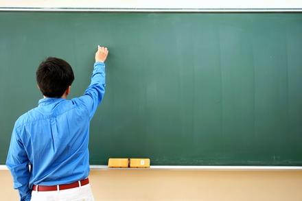 5分でわかる塾講師!資格いらずで就職・転職先として人気。3つのルートや年収を解説!画像