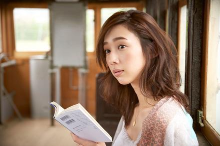 モデル松原汐織が選ぶ「続!オトナの夏休みの課題図書として提案したい一冊」画像