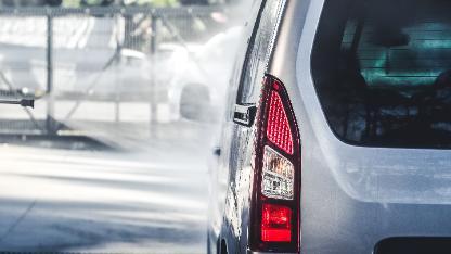 5分でわかる自動車業界!販売台数減少とAIとの共生が現状課題!今後の動向なども解説!画像