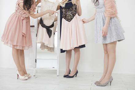 ファッションデザイナーになるには?5分で分かる仕事内容や年収、大学など画像