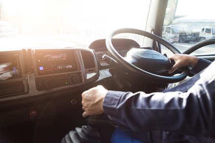 5分でわかるトラック運転手!免許の種類と仕事内容、気になる稼ぎなどを解説画像