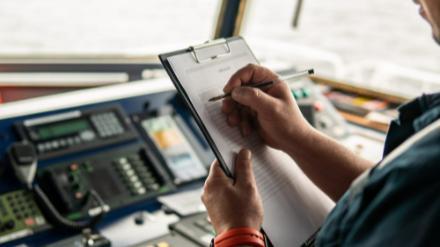 5分でわかる航海士!海技士(航海)国家試験の概要やなり方、収入、向いている人まで解説画像