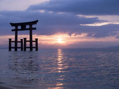 5分でわかる「神道」!特徴や仏教との違い、葬式などを解説!おすすめ本も画像