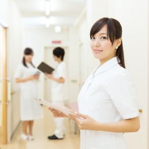 看護師になるには?5分で分かる、仕事内容や給料、資格など画像
