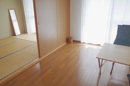 ミニマリストおふみが部屋を公開!夫婦で身軽に暮らす秘訣とは?画像