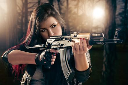 残酷な少女が平和を願い、優しい少年が戦争をする物語。自我と敵に関する論文画像
