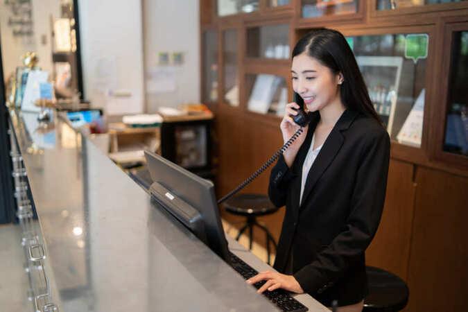 5分でわかるホテルフロント!仕事内容や収入、就職に有利な資格などを紹介