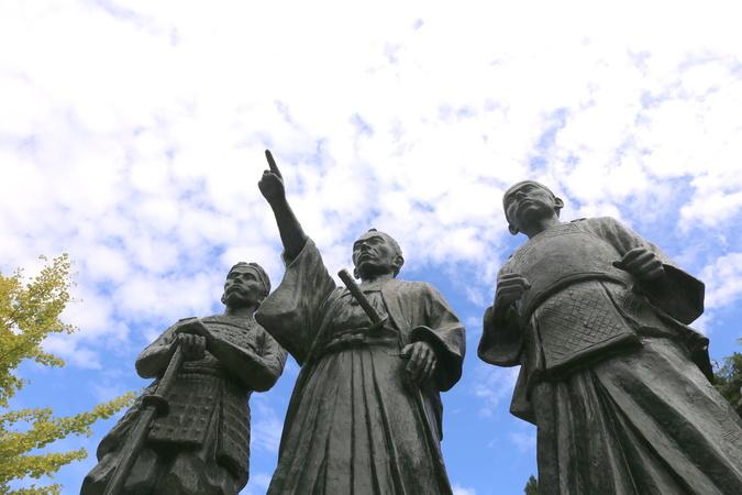磯田道史のおすすめ本5選!著作『無私の日本人』は映画化もした歴史学者