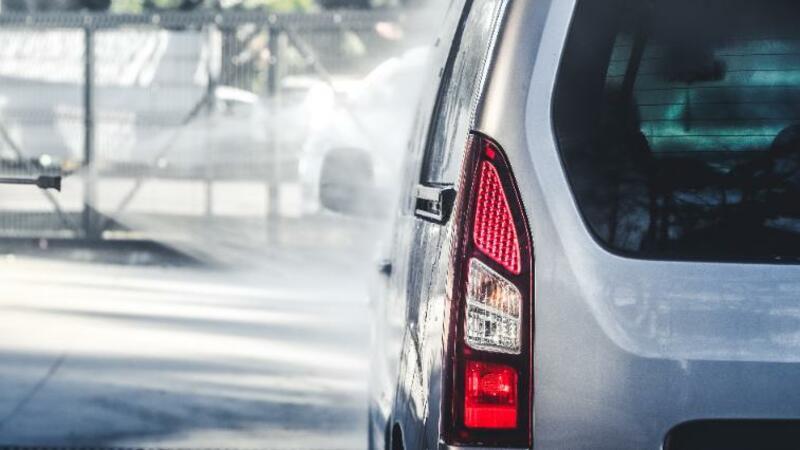 5分でわかる自動車整備士!三級資格は実務経験があれば受験可能。仕事内容、年収なども解説!
