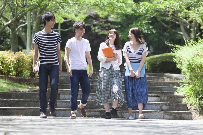 庄司薫のおすすめ本4選!『赤頭巾ちゃん気をつけて』の作者