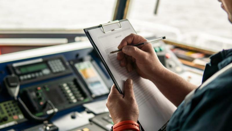 5分でわかる航海士!海技士(航海)国家試験の概要やなり方、収入、向いている人まで解説
