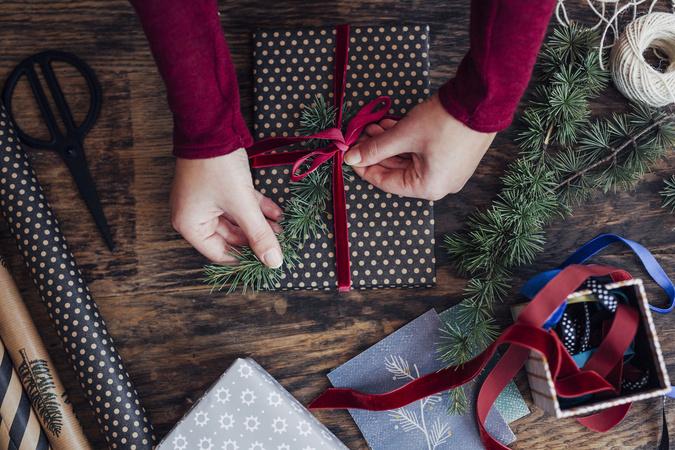 プレゼントにおすすめの詩集5選。大切な人に贈ろう。