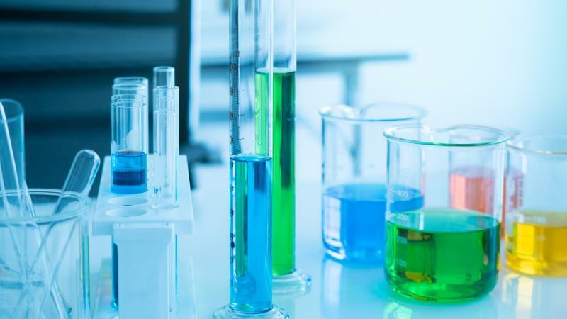 5分でわかる化学!身につけたい化学の常識って?歴史や知識を生かせる仕事などを解説!
