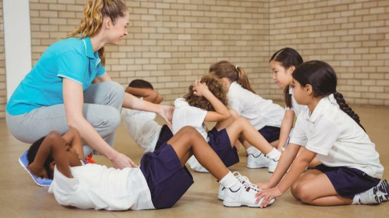 5分でわかる体育教師!生徒の体づくりを支える仕事。年収や資格、進学先など解説!
