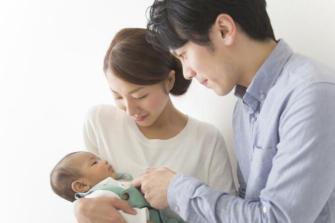 出産祝いに喜ばれる絵本、おすすめ25選!【赤ちゃん向け】