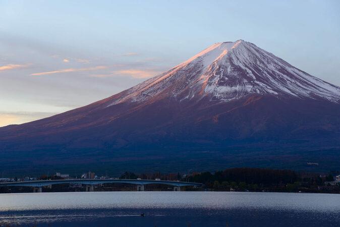 石坂洋次郎のおすすめ作品5選! 映画・ドラマ化された『青い山脈』他
