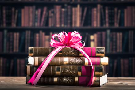 旦那の趣味に合わせて送るクリスマスプレゼント!喜ばれるおすすめ本5冊!画像